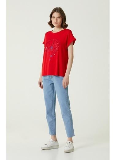 NetWork 1079953 Kadın Basic Fit Baskılı T-shirt Kırmızı